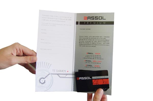Diseño de díptico para las ópticas Bassol