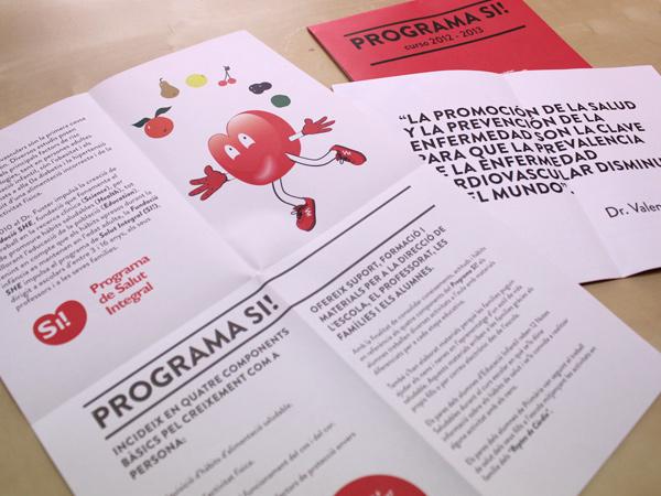 Impresión de folletos cuadrípticos en papel reciclado para la fundación She.